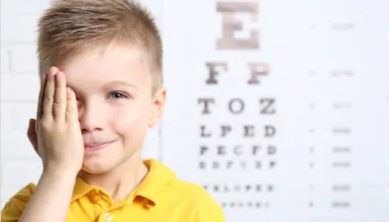 La importancia de revisar la visión de los niños